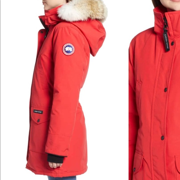 Canada Goose Jackets   Blazers - Women s Canada Goose Winter Jacket c8e25da16d